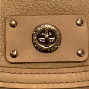Cream colored leather Marc Jacobs shoulder bag